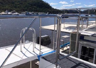 Mirror Finish Stainless Steel Gate and Rails for Houseboat